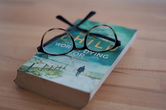 Book Lee Child Glasses Reading  - lukasz_gl / Pixabay